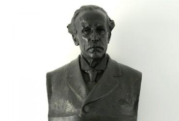 Bust de Narcís Oller
